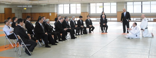 意見 交換 会 の 様 子 -thumb-500xauto-3658.jpg