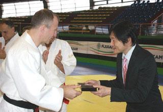 福島在イタリア日本大使館公使とソロベイチックEJU会長