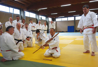 Kime-no-Kata Seminar: Demonstration on how to handle sword and dagger