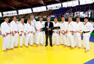 2 sets of Kata weapons were donated to Italian Judo Federation