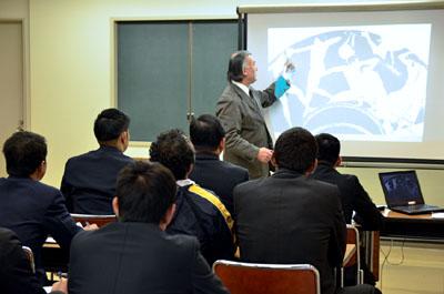 村田直樹講師による「柔道史概論」